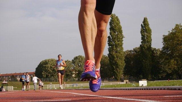 Cómo preparar una crema para pie de atleta