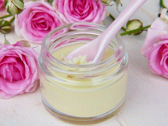 Cómo hacer crema hidratante con cera de abeja