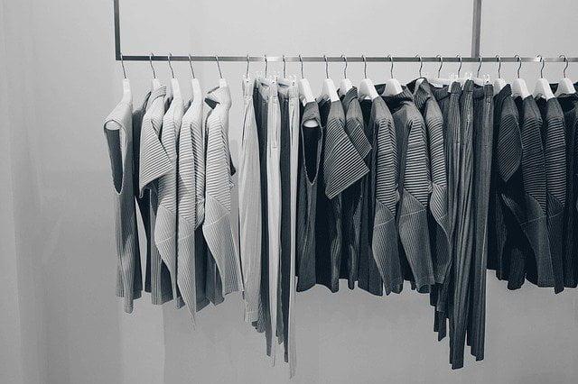 Utilizar una blusa con transparencias
